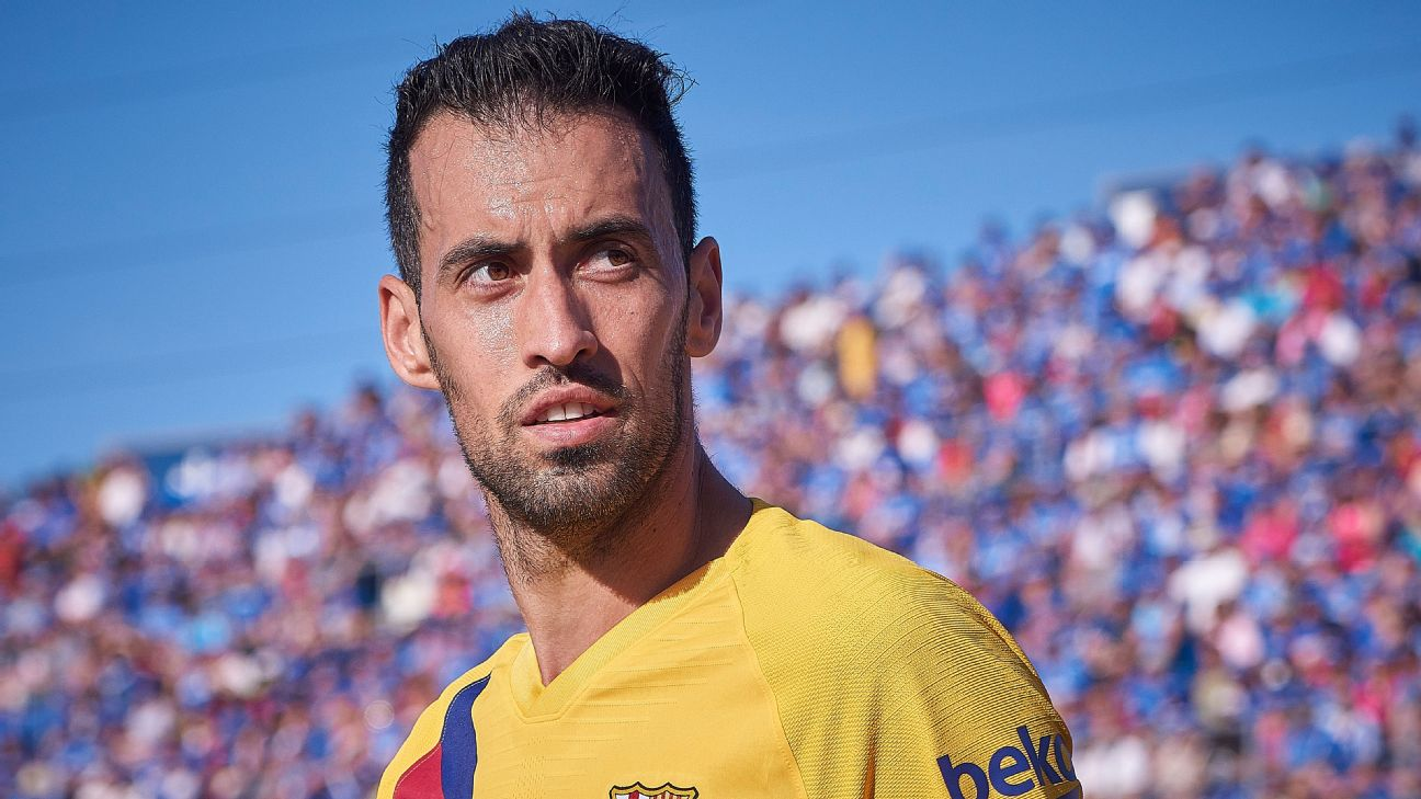 Sergio Busquets looks on during Barcelona's La Liga match against Getafe.
