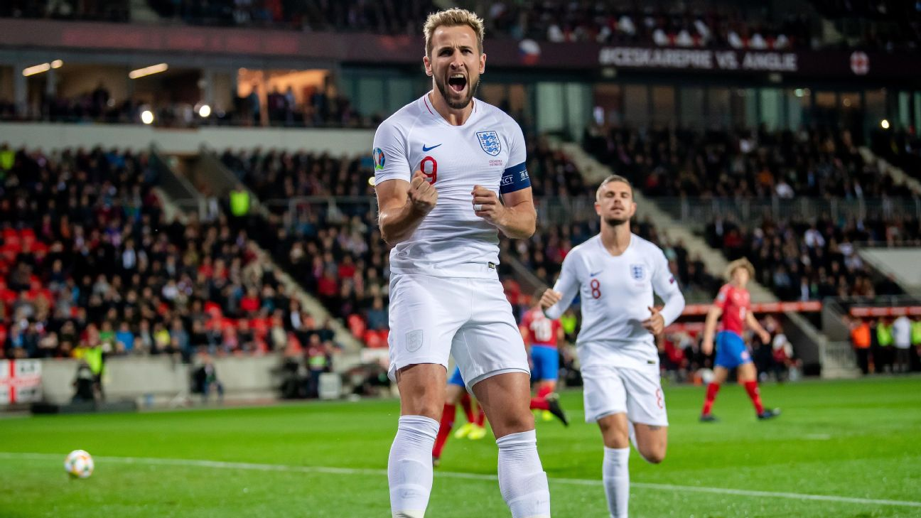Harry Kane celebrates after scoring in England's Euro 2020 qualifier against the Czech Republic.