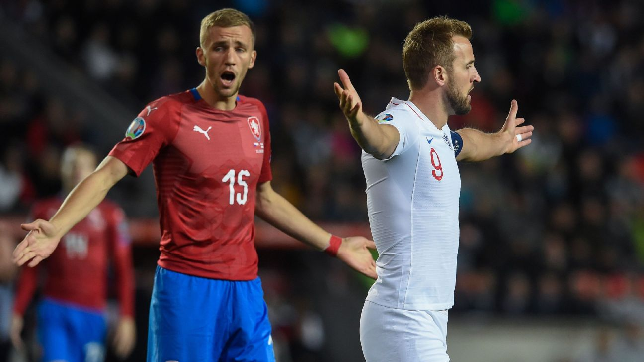 Tomas Soucek and Harry Kane look on during the Euro 2020 qualifier between Czech Republic and England.
