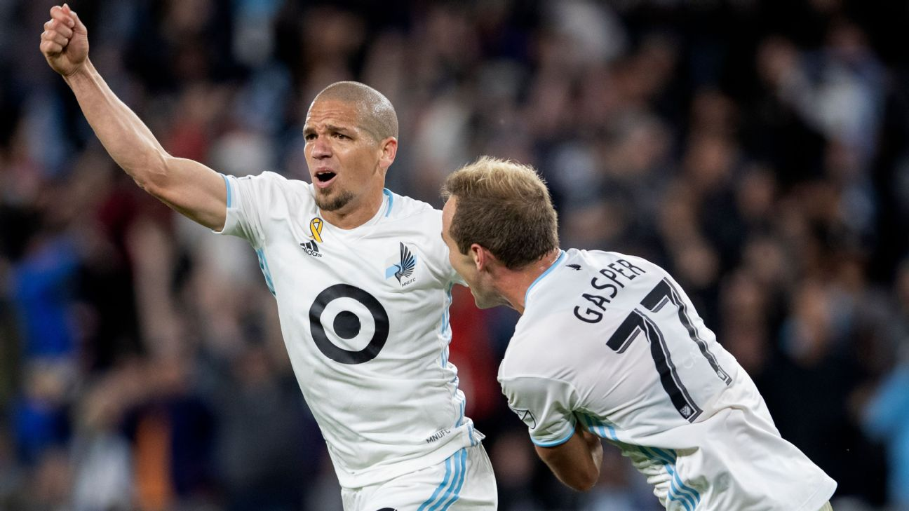 Ozzie Alonso celebrates after scoring in Minnesota United's MLS win over Sporting Kansas City.