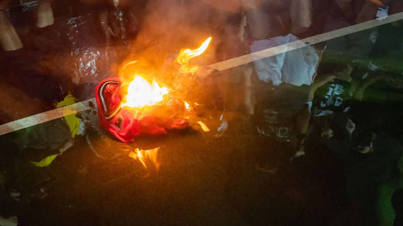 Protesters trample, burn LeBron James jerseys in Hong Kong