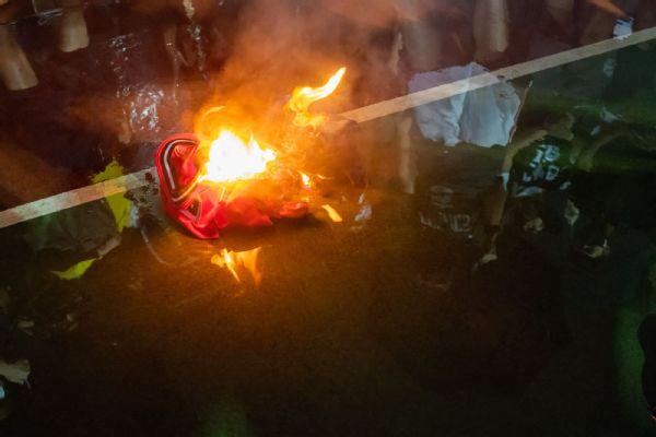 Read: Protesters in Hong Kong burn LeBron jerseys
