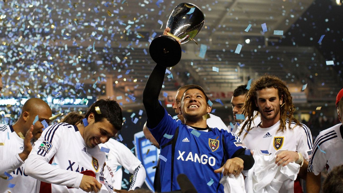 Nick Rimando and Kyle Beckerman lift the Eastern Conference trophy en route to Real Salt Lake's MLS Cup win in 2009.