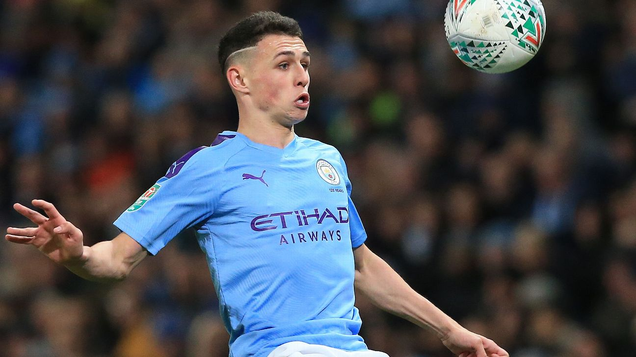 Phil Foden controls the ball during Manchester City's Carabao Cup win over Southampton.
