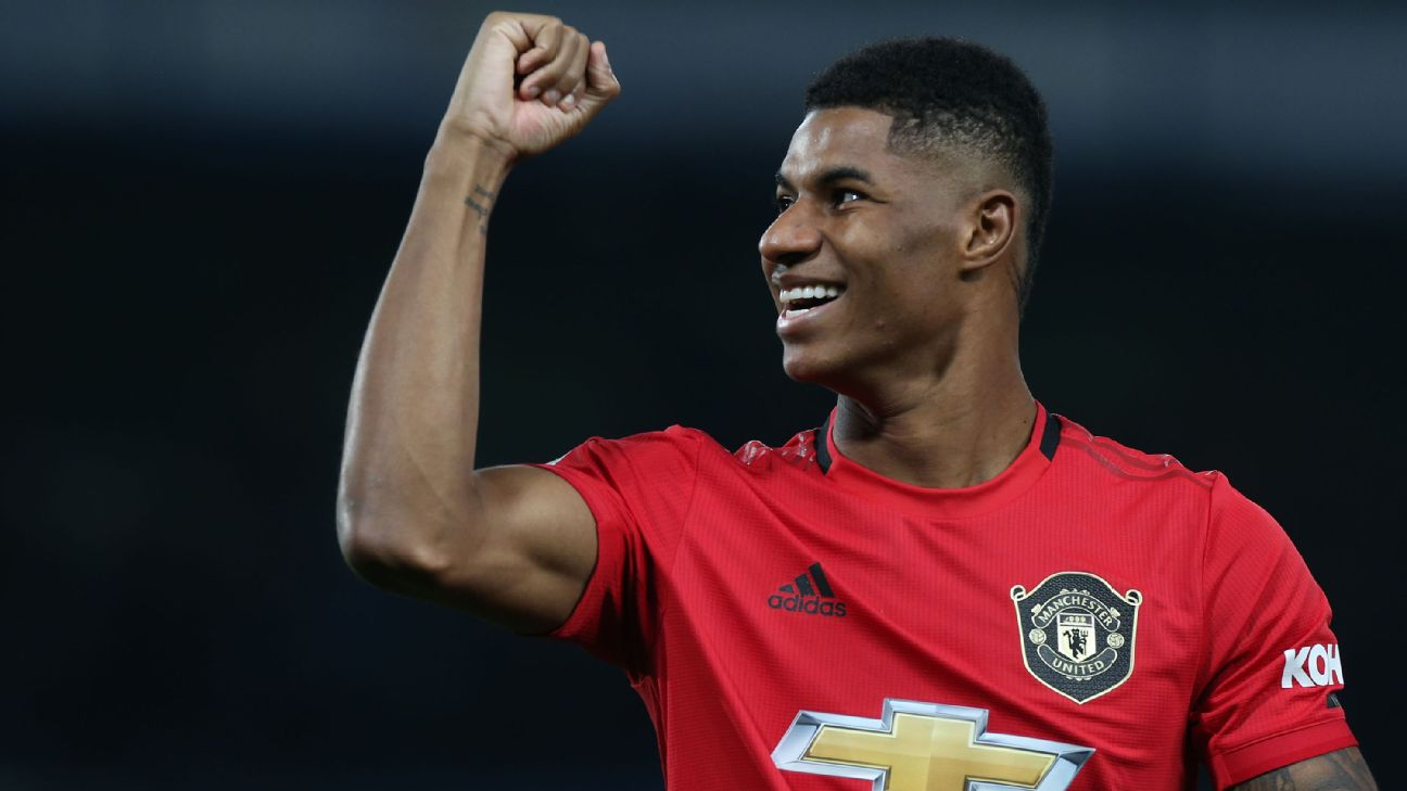 Marcus Rashford celebrates during Manchester United's Carabao Cup win over Chelsea.