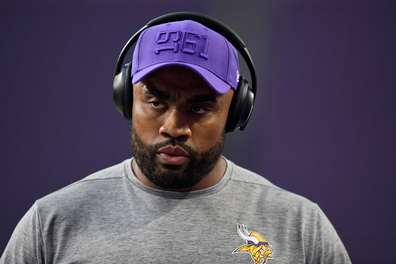 Vikes' Griffen in protocol after deer causes wreck