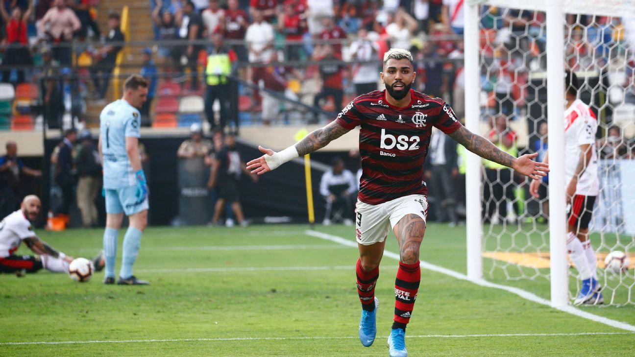 Gabriel Barbosa celebrates after scoring a goal for Flamengo in the Copa Libertadores final.