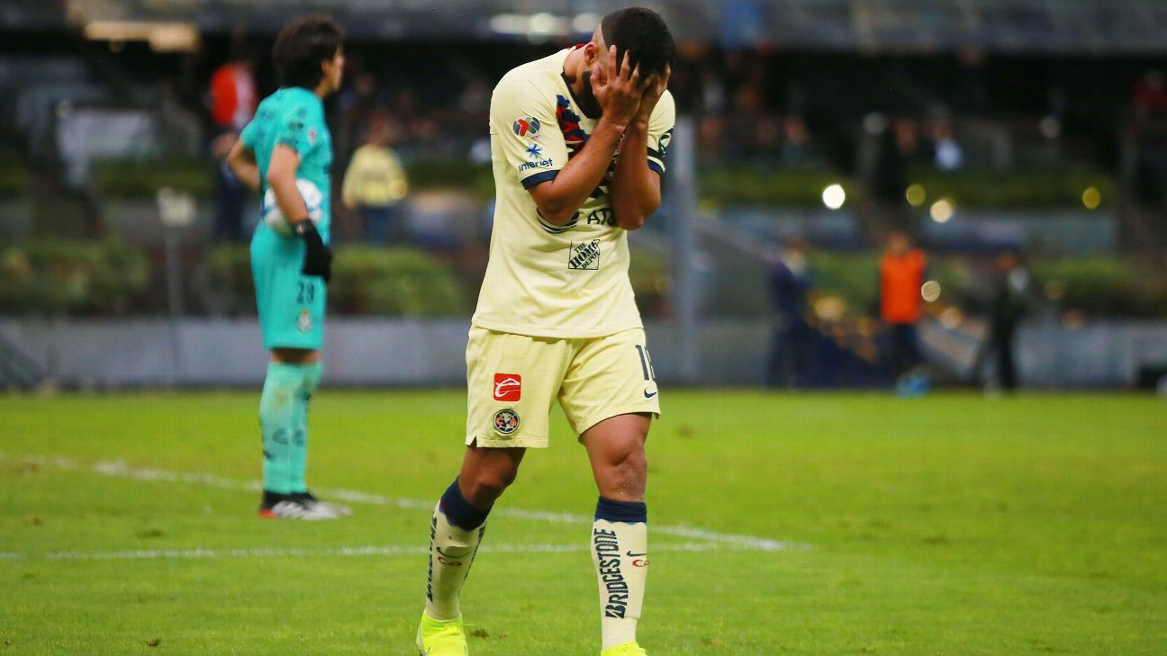 Bruno Valdez reacts during Club America's Liga MX match against Satos Laguna.