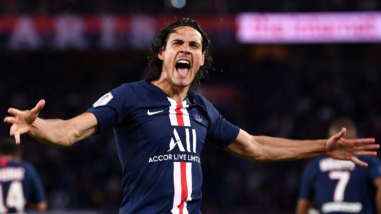 Edinson Cavani celebrates during Paris Saint-Germain's Ligue 1 match against Nimes.