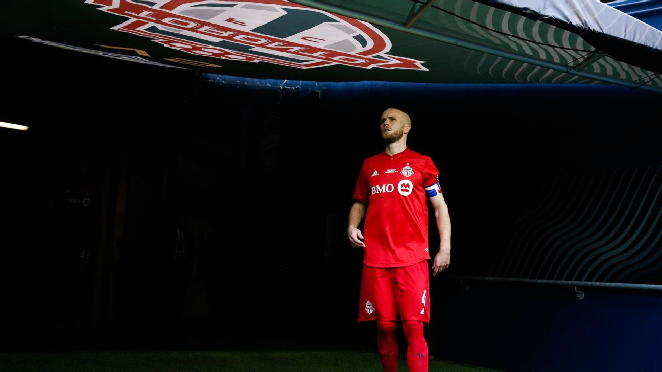 Michael Bradley has signed a new deal that will keep him at Toronto FC.