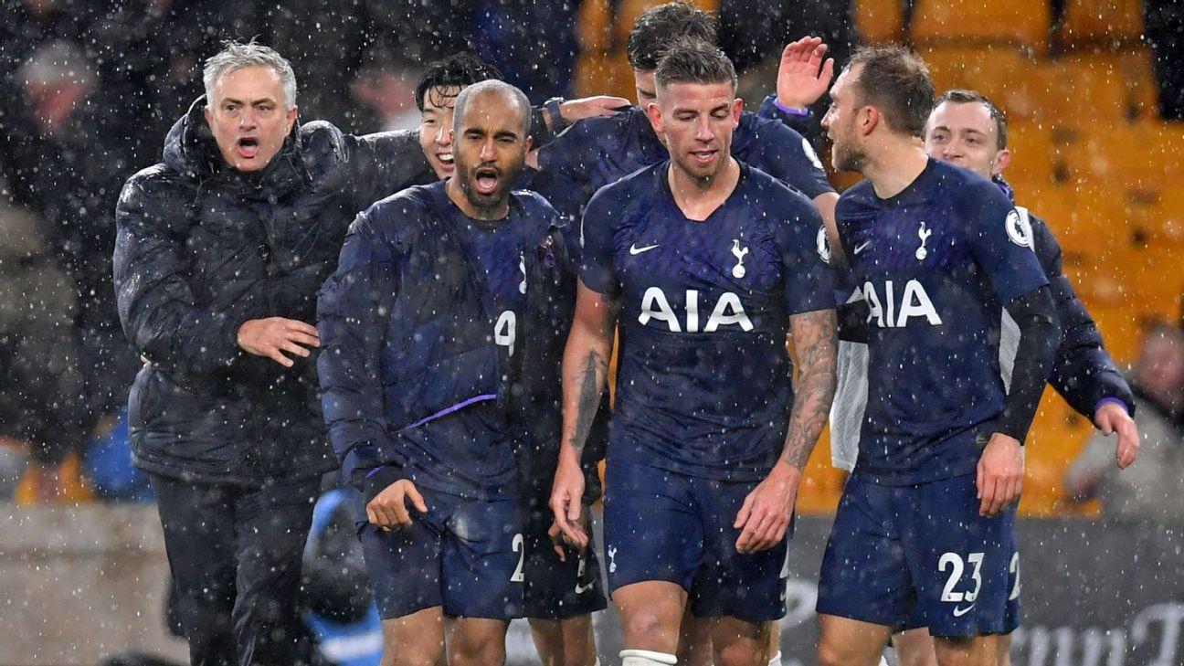 Jose Mourinho celebrates with Tottenham