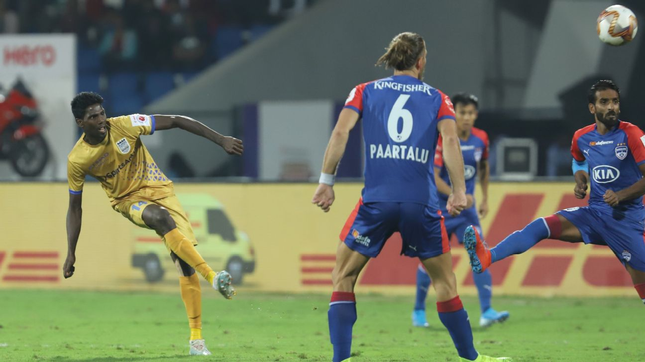 Rowllin Borges' (left) goal for Mumbai City FC made sure Bengaluru FC's unbeaten run at home did not extend to 638 days.