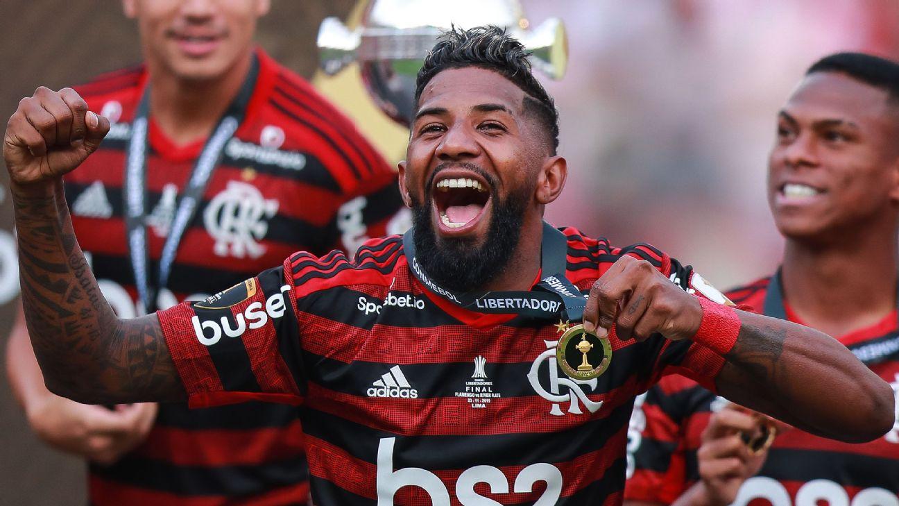 Flamengo e Internacional avançam em acordo por empréstimo de Rodinei