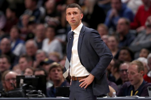 Wolves fire Saunders; to hire Finch, sources say