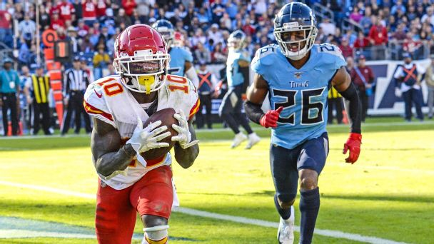 Guide to Titans-Chiefs, Packers-49ers: Picks, bold predictions, key matchups, more