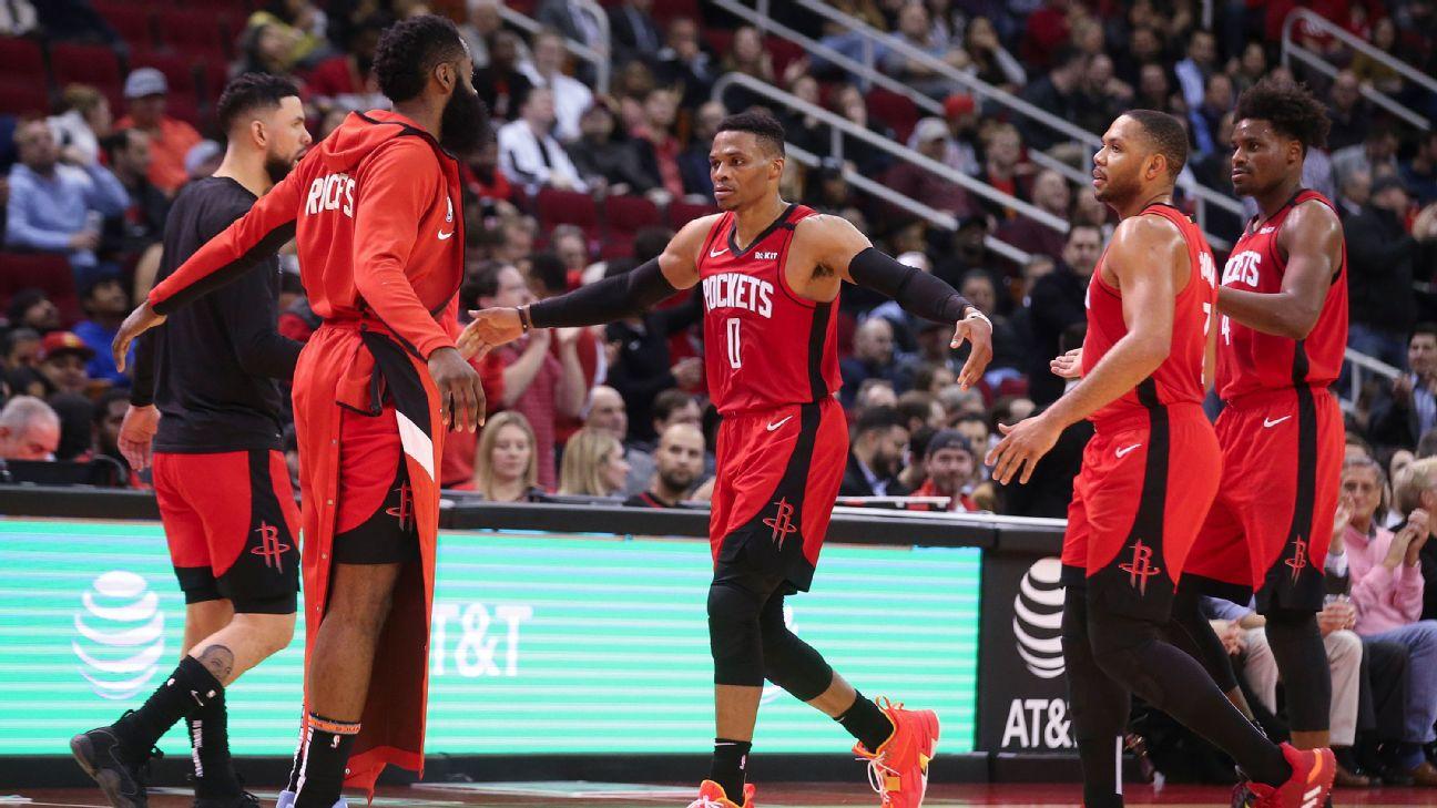 Rockets beat Mavericks using historically small lineup