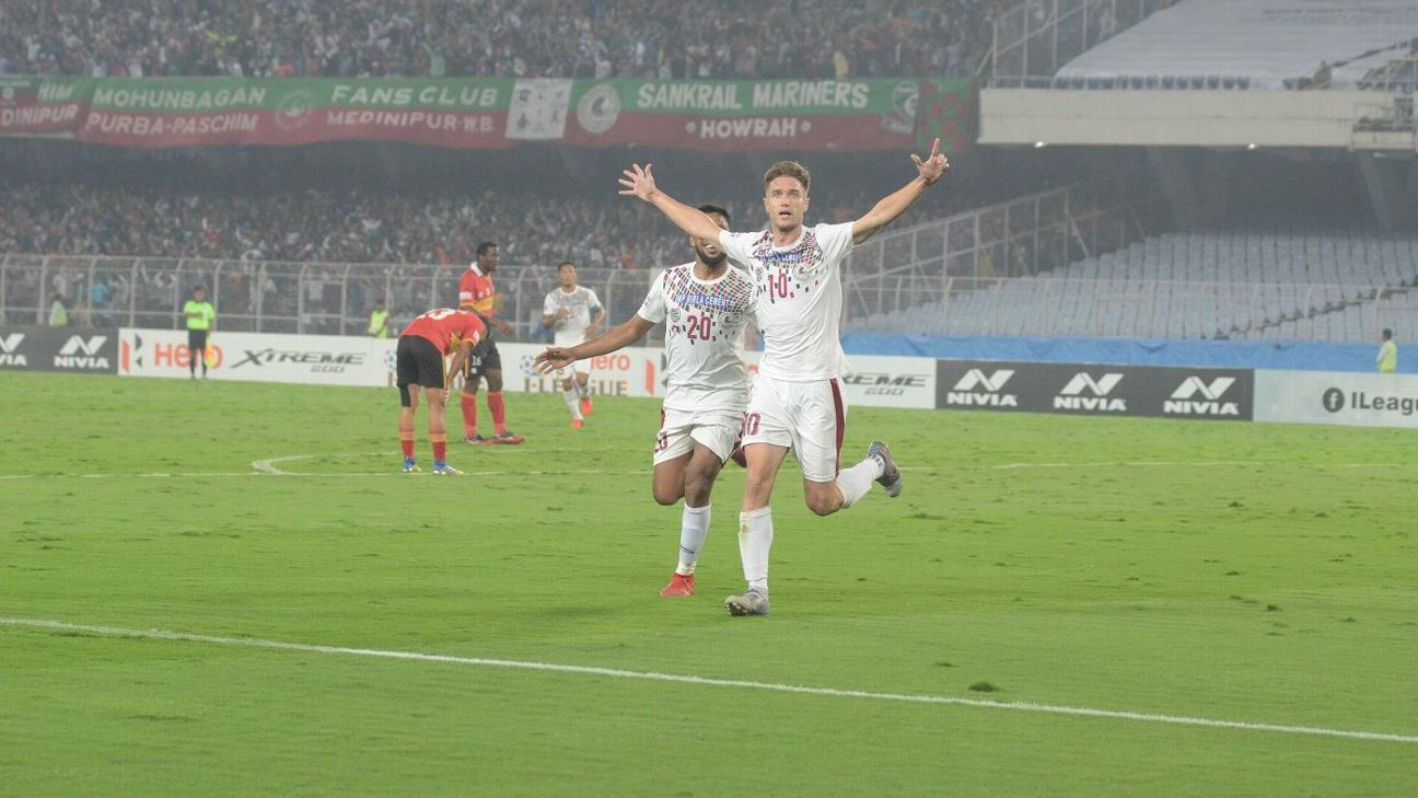 Joseba Beitia(R) celebrates the opening goal of the Kolkata derby for Mohun Bagan against East Bengal.