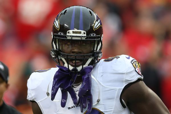 Ravens reach one-year contract with LB