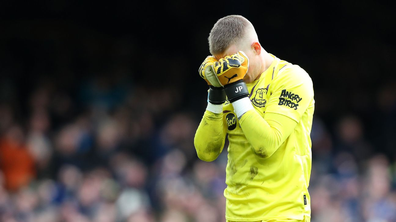 Everton goalkeeper Jordan Pickford reacts after conceding a goal against Crystal Palace.