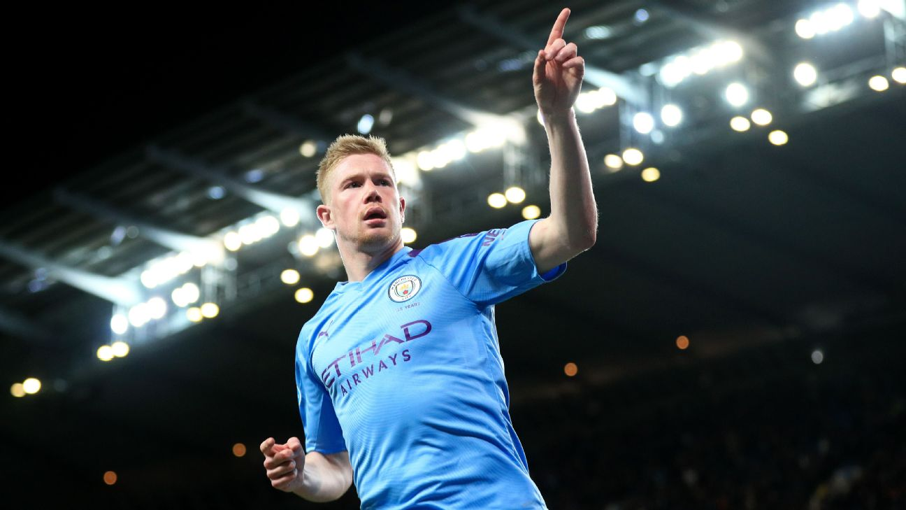 Kevin De Bruyne celebrates during Manchester City's Premier League match against West Ham.