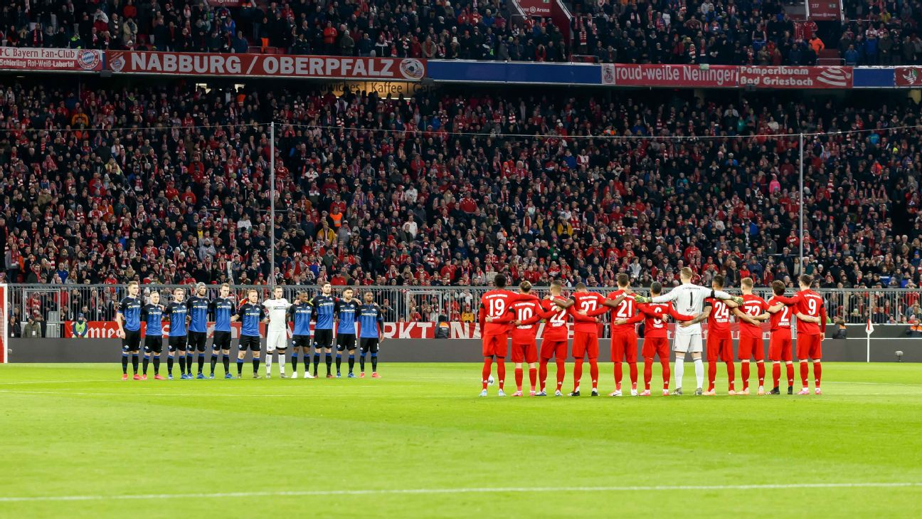 Bayern Munich and Paderborn players pay tribute to victims of Hanau terror attack