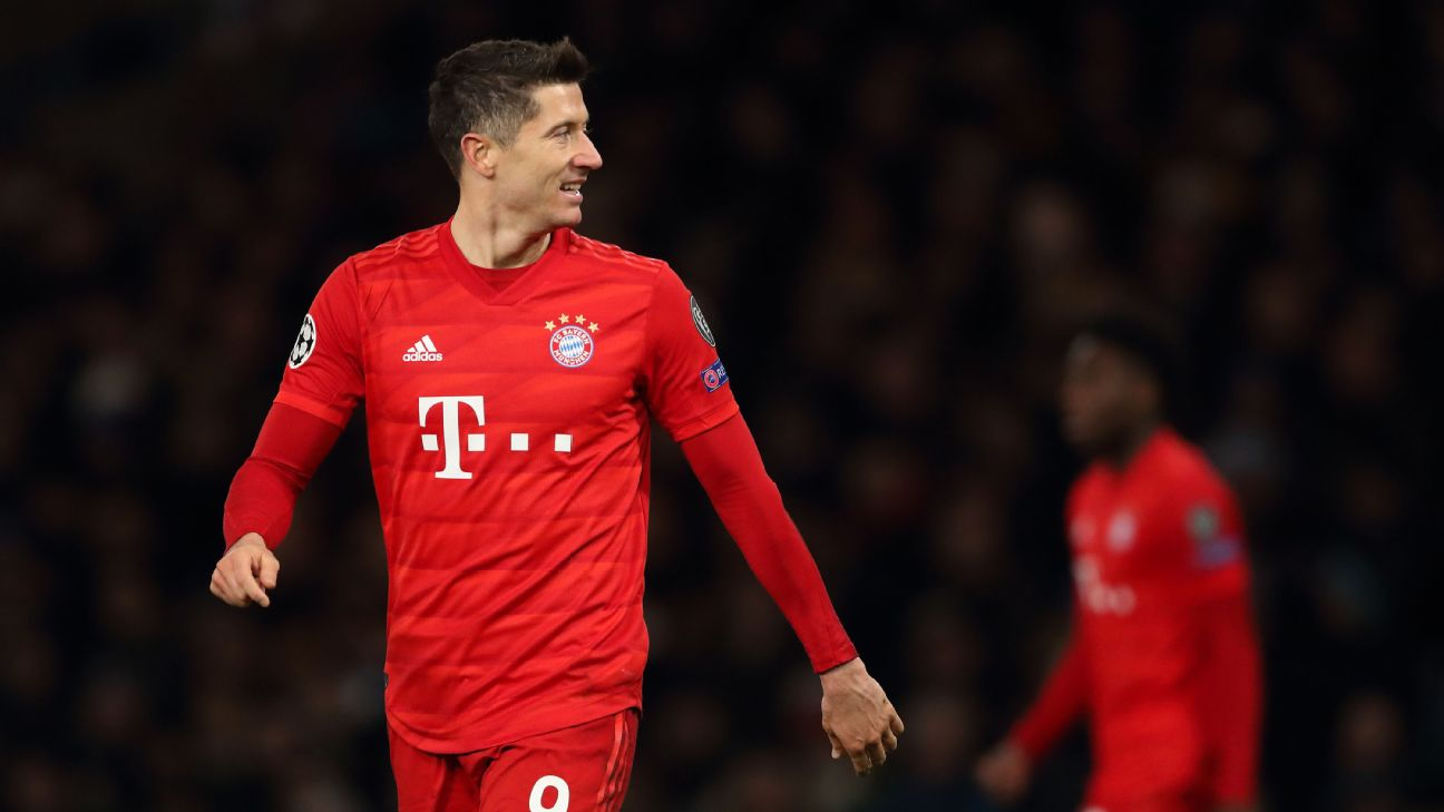 Robert Lewandowski scored Bayern Munich's third in a 3-0 dismantling of Chelsea at Stamford Bridge in the Champions League.