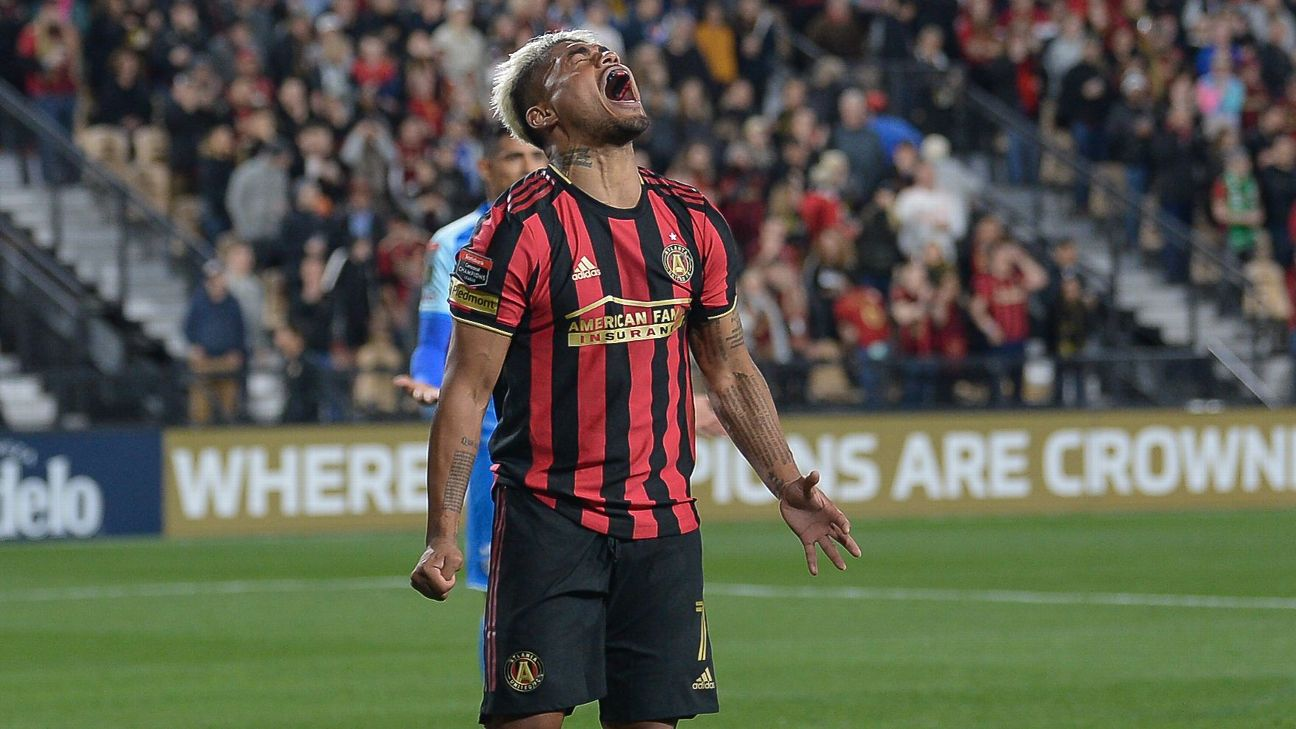 Atlanta's Josef Martinez (7) reacts after missing a shot