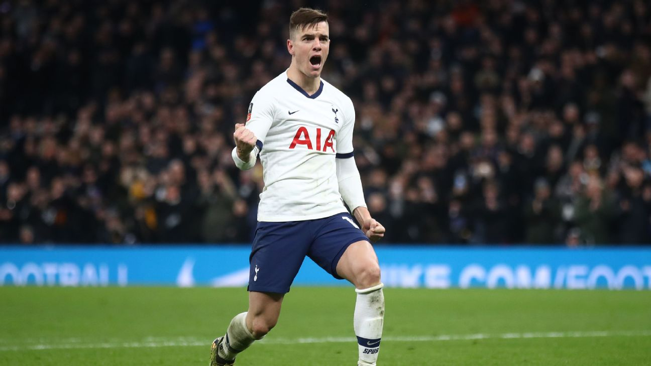 Giovani Lo Celso celebrates during Tottenham's Premier League draw at Burnley.