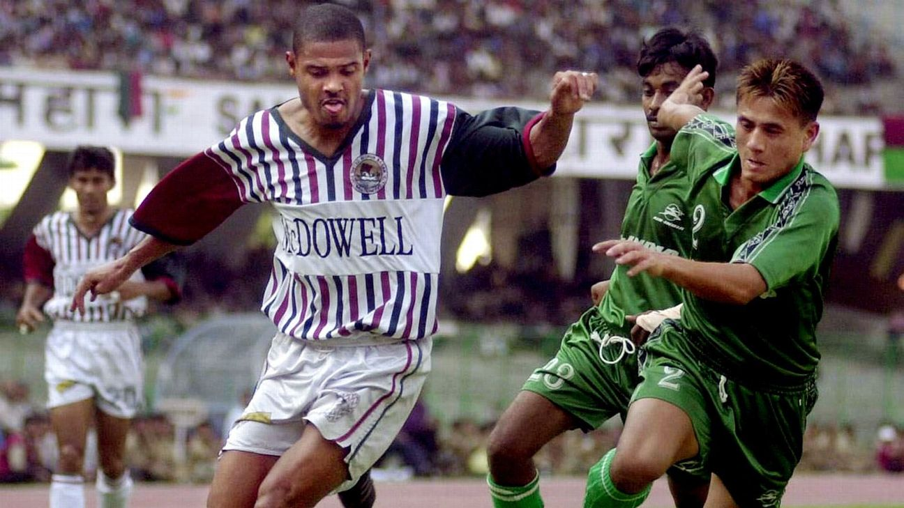 Jose Barreto (left) featured in two NFL-winning teams for Mohun Bagan. The Brazilian striker scored 15 of the 31 goals Bagan scored on their way to the 2001-02 title.