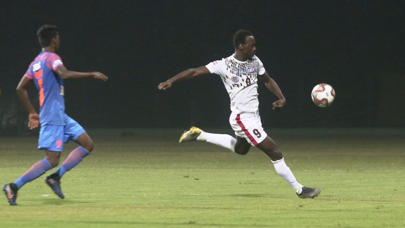 Baba Diawara (right) scored the goal that helped Bagan beat Aizawl to confirm their fifth national league.