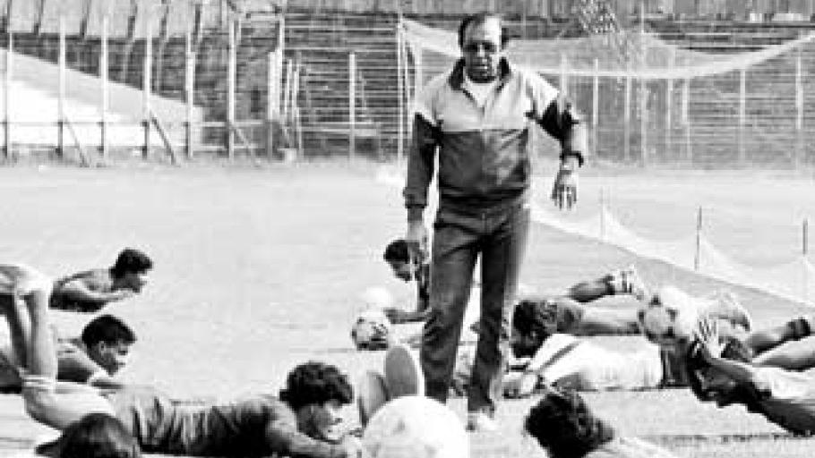 PK Banerjee puts his Mohun Bagan players through a drill.