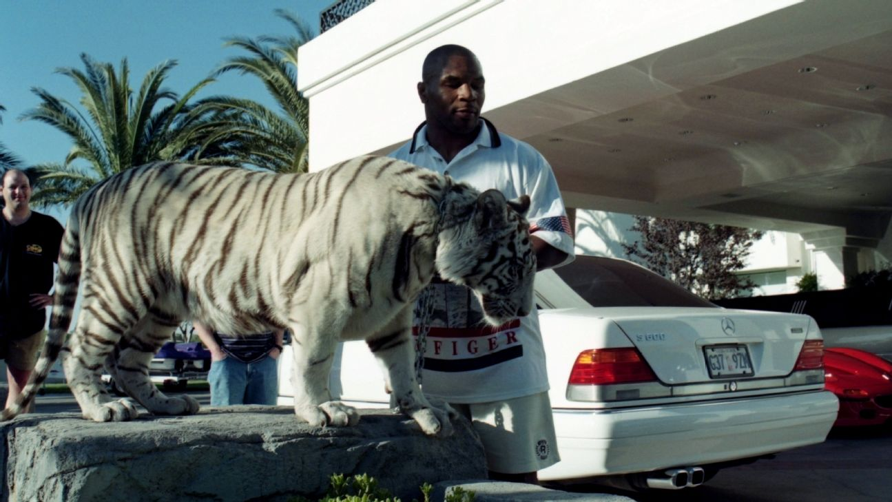 Boxing S Tiger King Mike Tyson Says He Was Wrong To Own Tigers