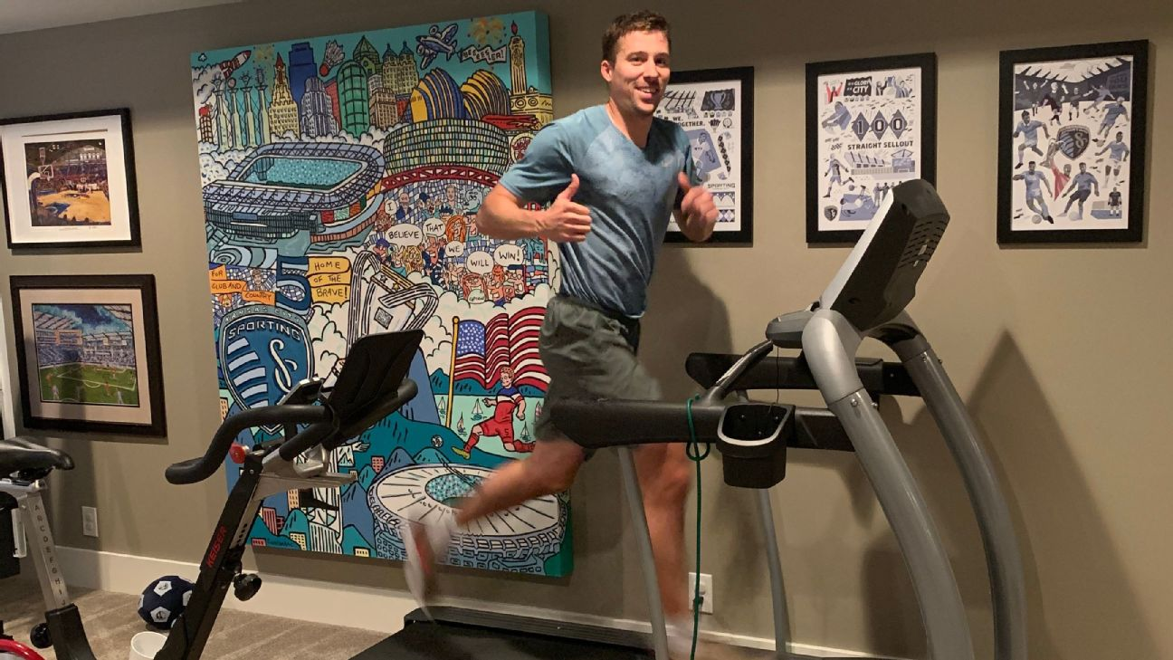 Matt Besler trains at home amid the coronavirus pandemic.