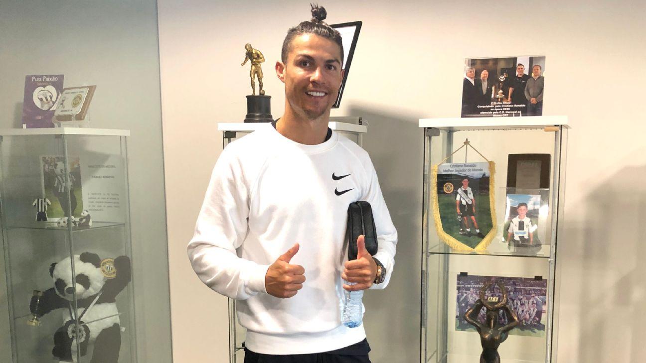 Coronavirus Lockdown Juventus Star Cristiano Ronaldo Pays Visit To Boyhood Club Nacional