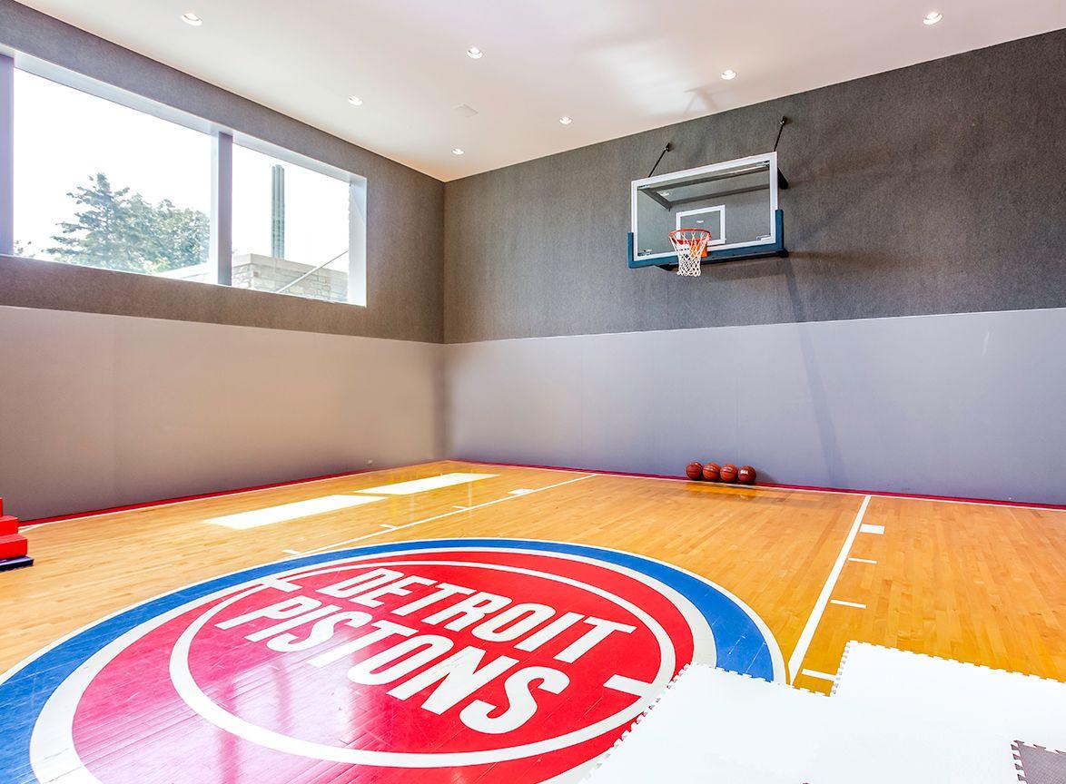 Matthew Stafford Lists Detroit Area Home Featuring Pistons Court For 6 5 Million Detroit Lions Blog Espn