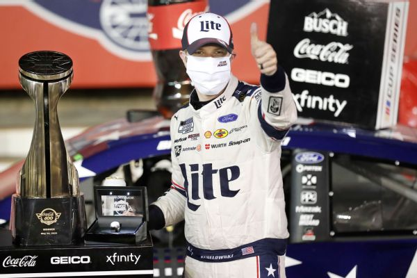 Keselowski wins 600 as late pit stop costs Elliott
