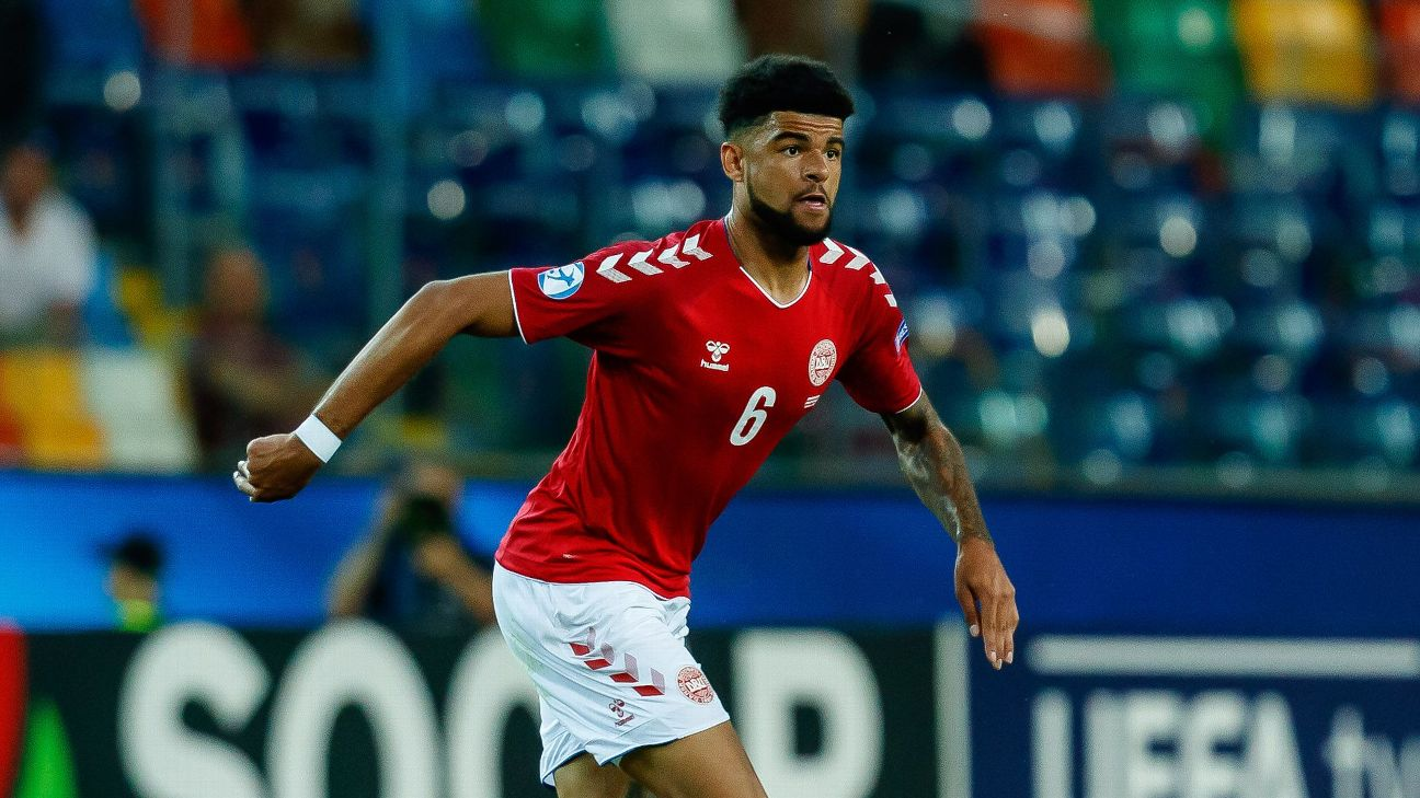 Philip Billing has represented Denmark at under 19 and under 21 level, here in 2019 at the U-21 UEFA tournament. He does not have a senior cap.