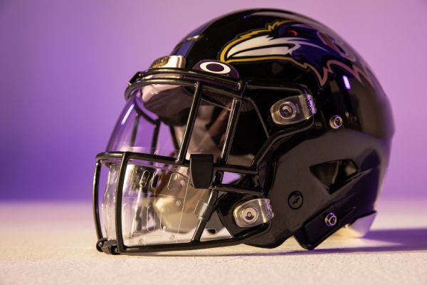 NFL unveils Oakley Mouth Shield to combat virus