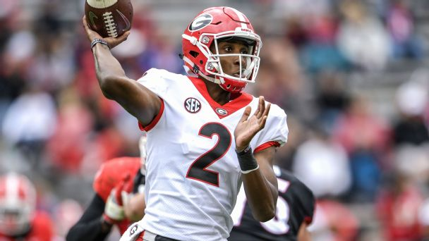 College football's most important players: nine QBs, 10 defenders, six other guys