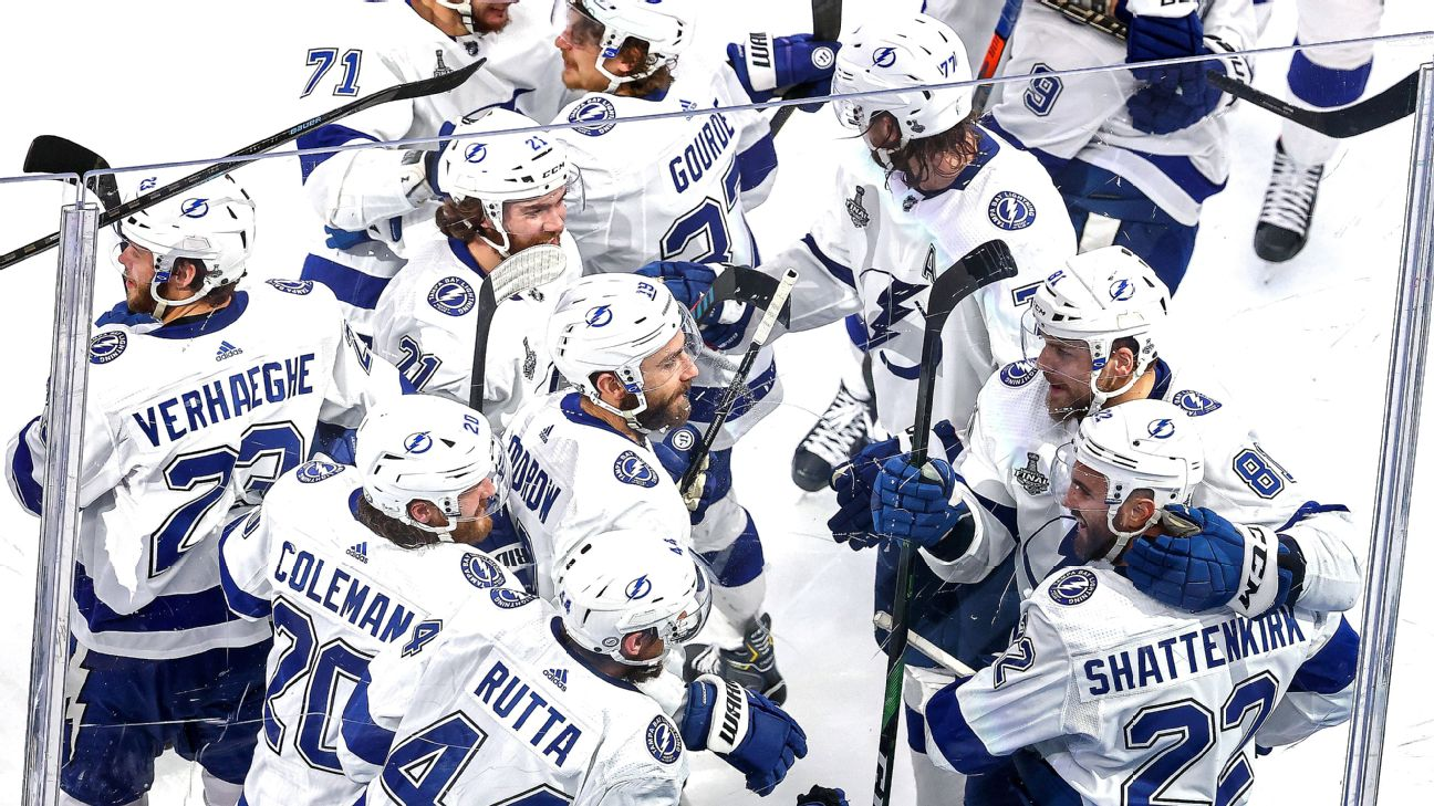Game 4 takeaways: Controversial ending puts Lightning on cusp of the Cup