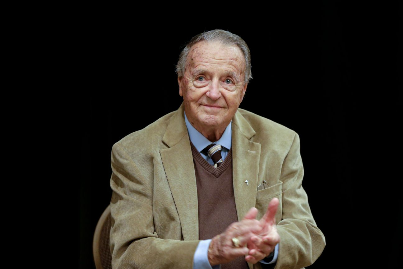 Bobby Bowden has pancreatic cancer, son says