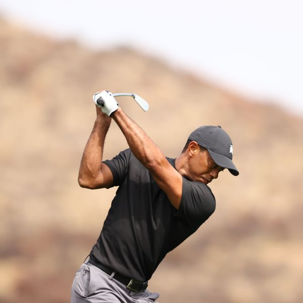 Tiger struggles to opening-round 76 at Zozo