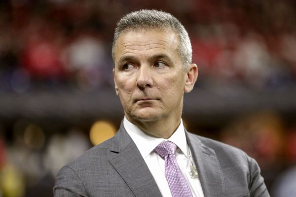 Sources: Meyer assembling staff, meets with Jags