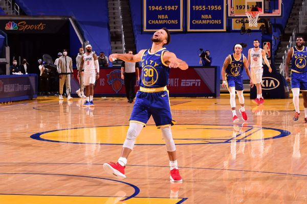 Curry's 38 has Warriors in awe in comeback win