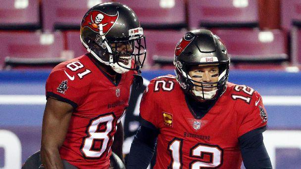 Brady, Bucs strike fast with 36-yard touchdown pass to AB