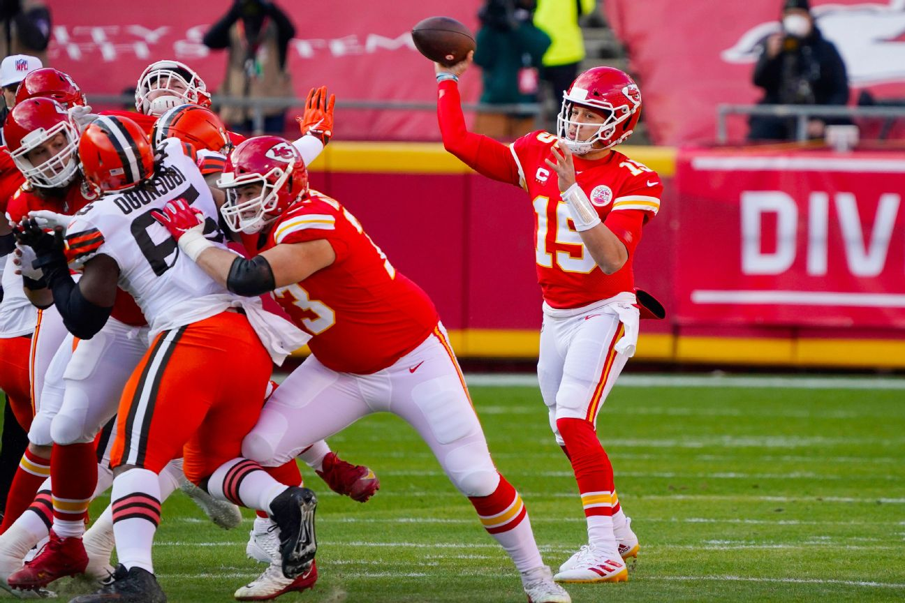Patrick Mahomes leads Chiefs on methodical opening drive for a 1-yard touchdown run