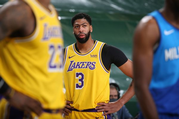 Lakers beat Bucks, but Davis says he's in 'funk'