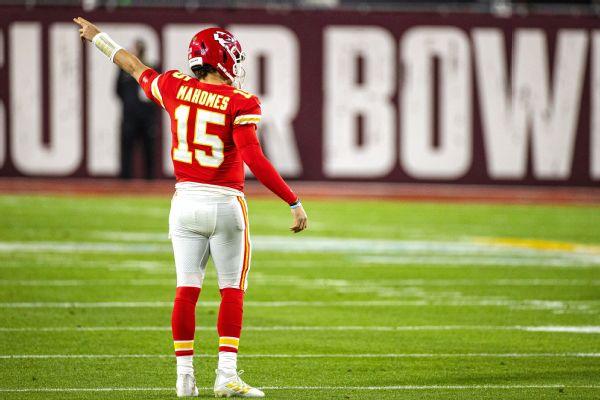 Chiefs (+550) start as '21 favorite; Bucs at 11-1