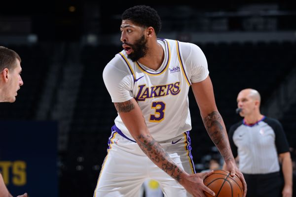 Lakers' Davis cleared for practice, nearing return