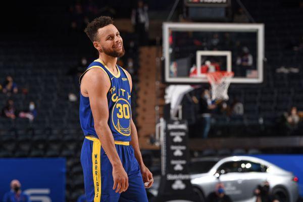 Warriors' Curry, Wiseman make impact in returns